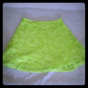 Dresses & Skirts - NWOT Womens Mini skirt